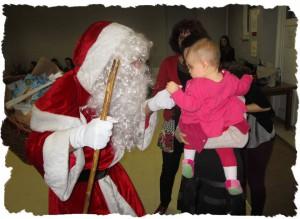 La plus jeune de notre groupe rencontre le Père Noël